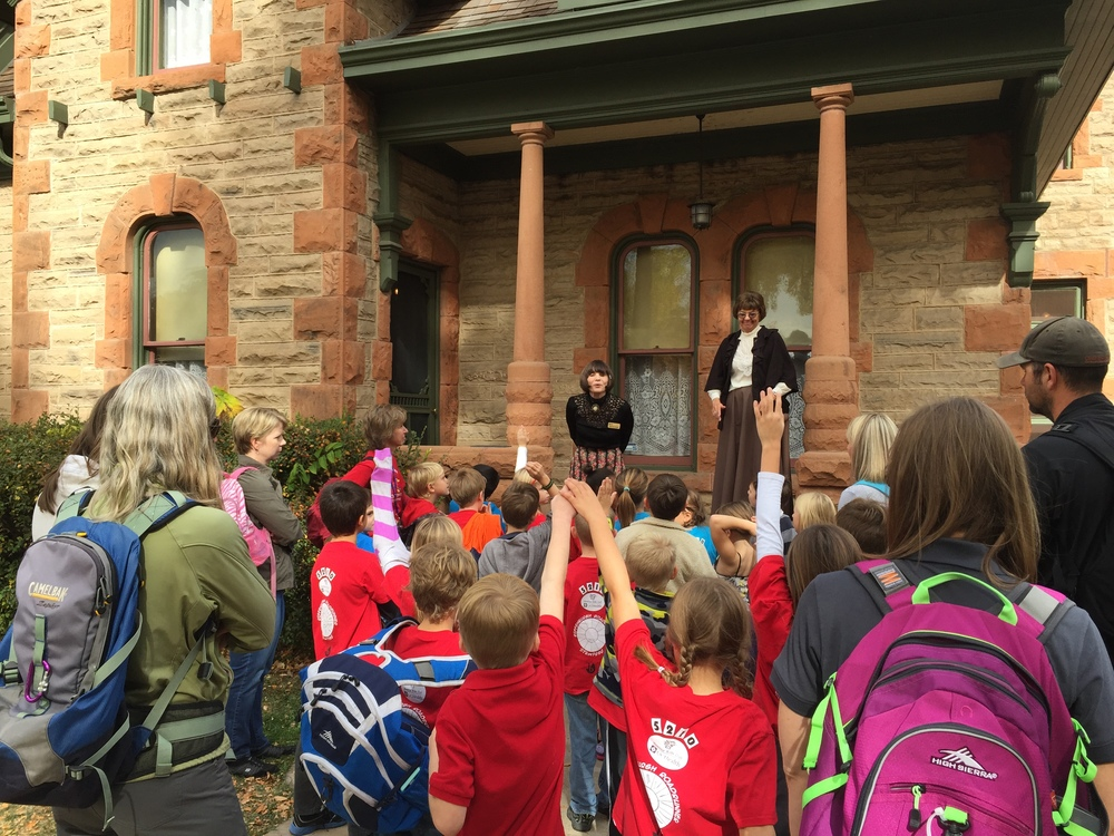 School children tour Avery House