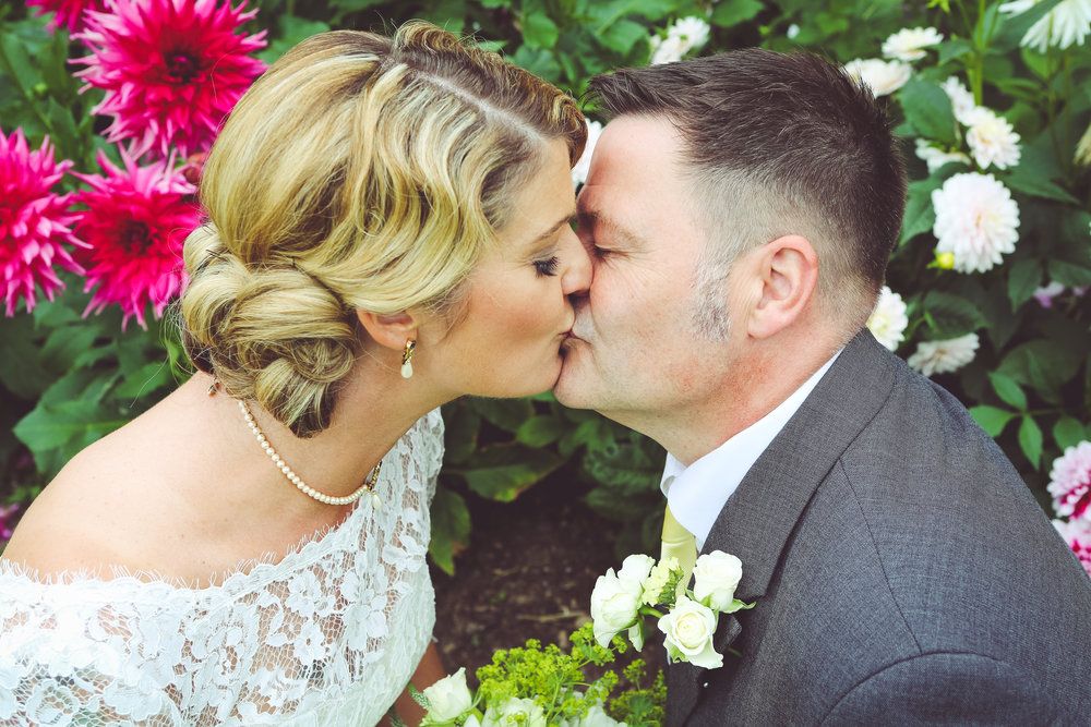Tanya & Lee - Buxted Park Hotel