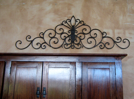 Horizontal Iron Decor.jpg