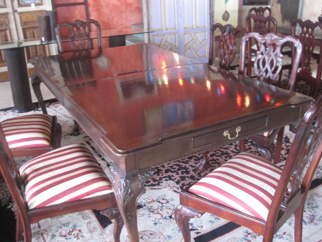 Antique Mahogany Dining table