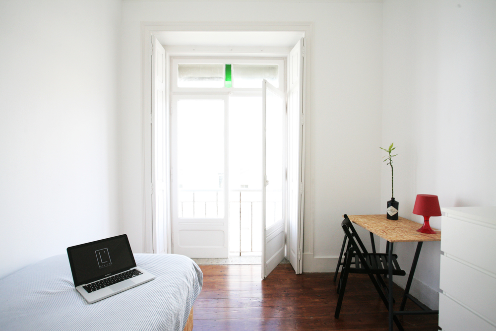 SINGLE BIG WINDOW | 360€