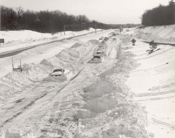 Cars stranded on the highway during the Blizzard of 1978. Photo by That Hartford Guy on Flickr