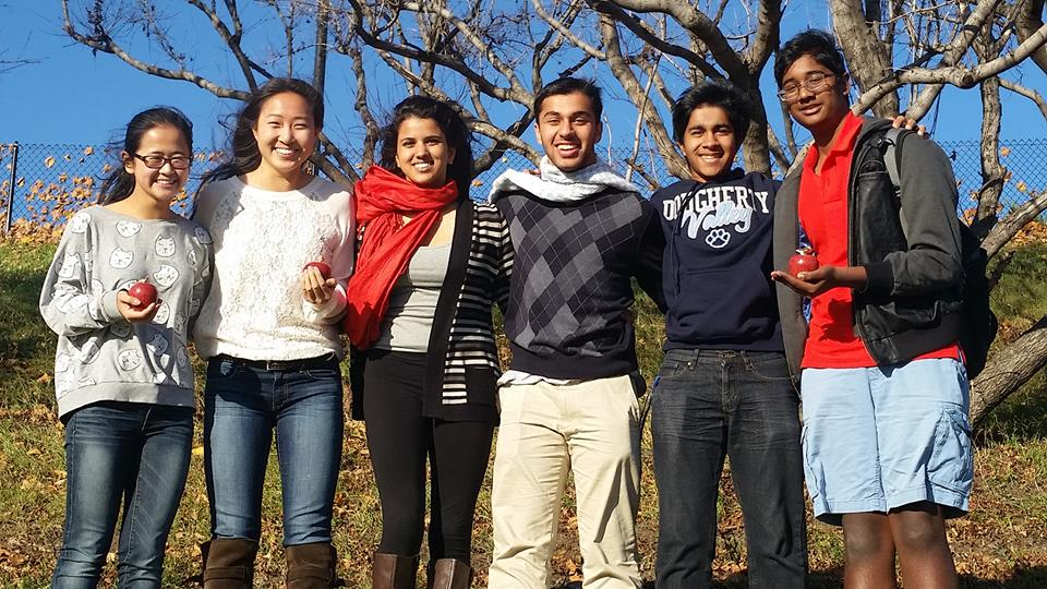 Dougherty Valley Speech and Debate braves the cold winds of Minnesota during the MinneApple Invitational. We earned 3 of the coveted marble apples in the process and the PF team of Mishra/Ting return to campus with their first bid to the Tournament of Champions! See specifics in the results page!