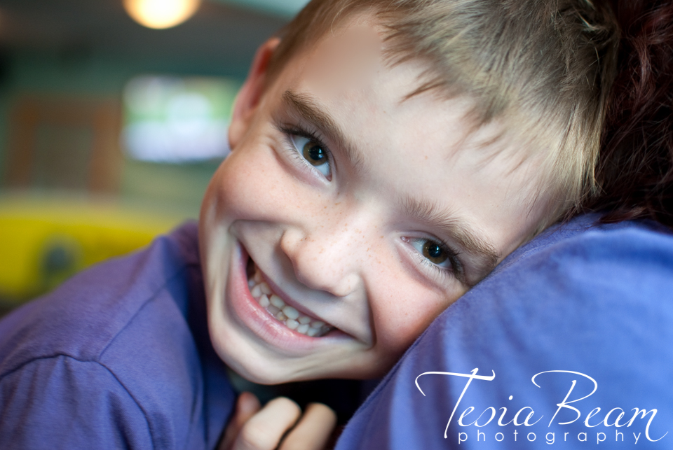 Love this sweet smile! (c)Tesiabeamphotography.com