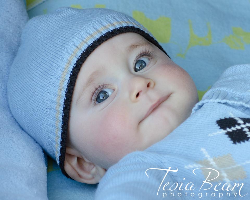 Curious baby face (c)Tesiabeamphotography.com