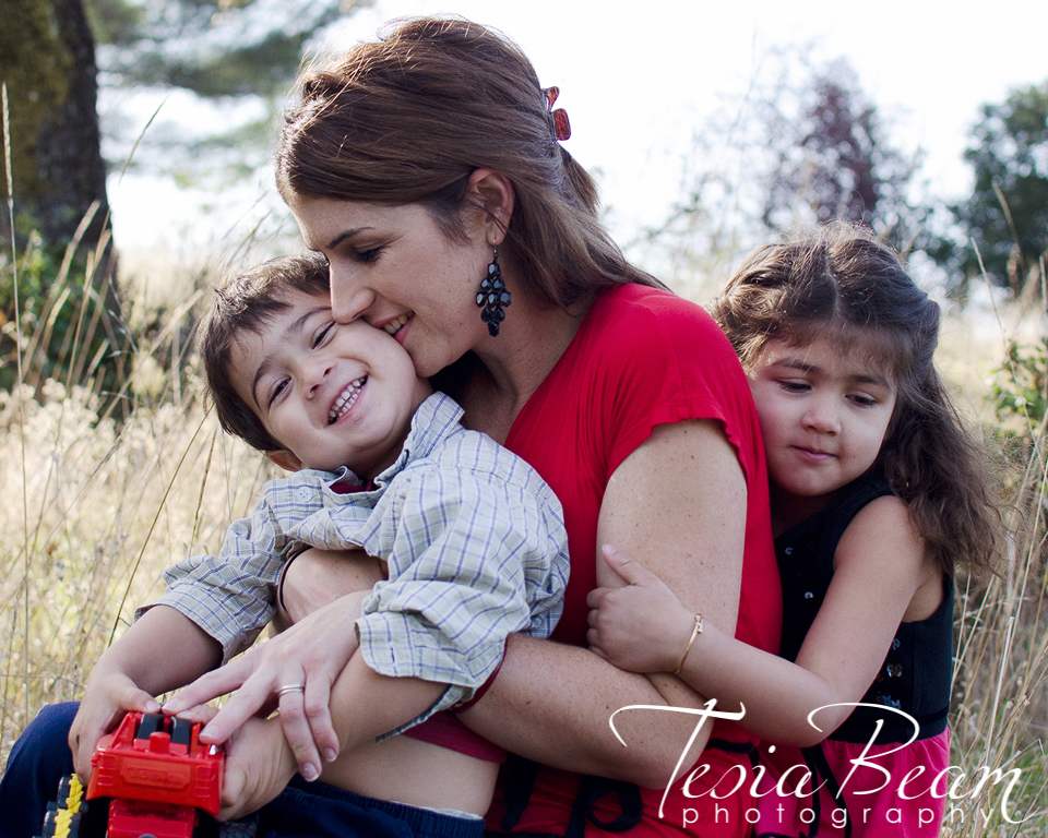 Gorgeous mom and her children (c)Tesiabeamphotography.com