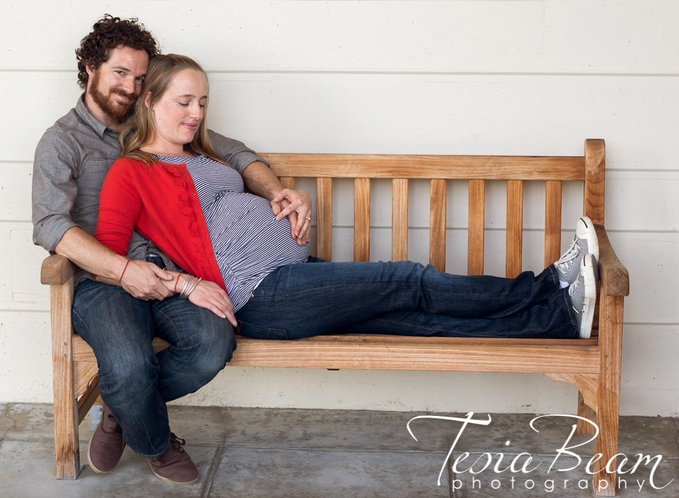Maternity couple  (c)Tesiabeamphotography.com