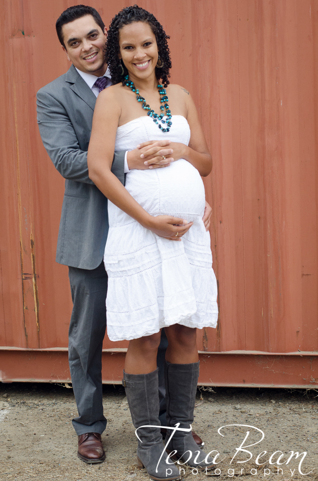 Gorgeous maternity couple (c)Tesiabeamphotography.com