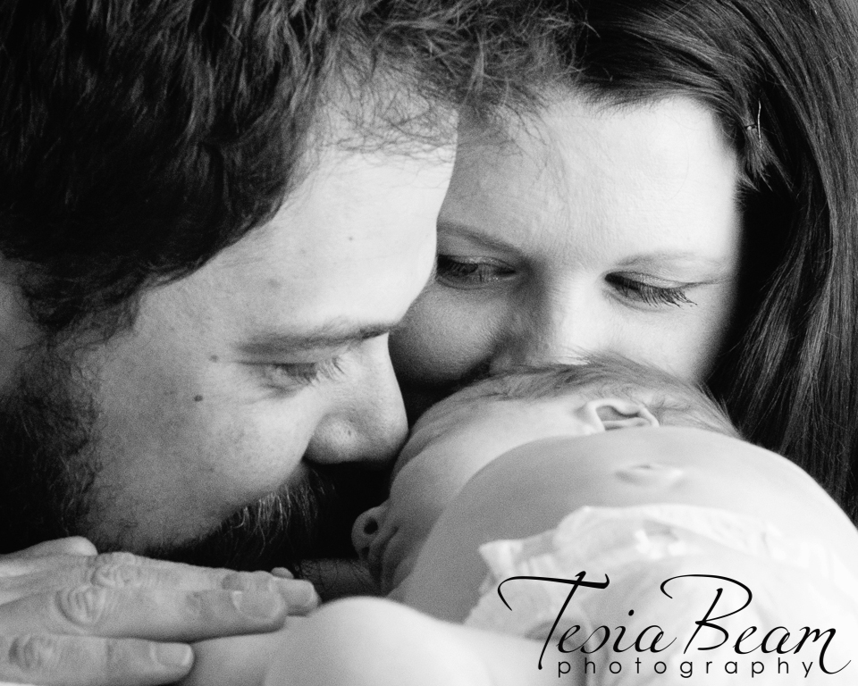 Black and white parents and newborn (c)Tesiabeamphotography.com