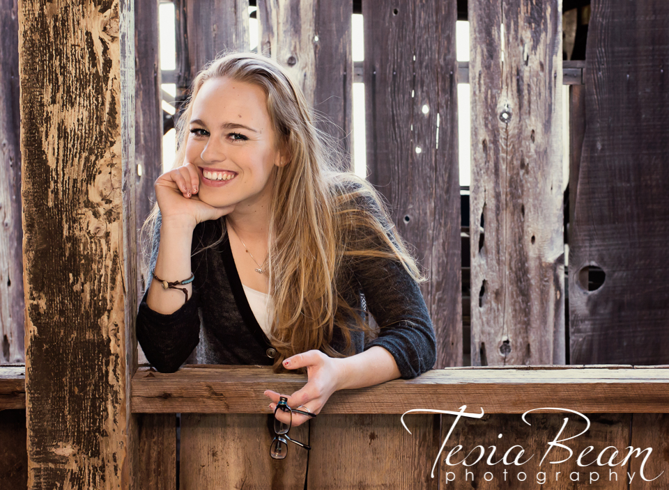 Happy senior portrait (c)Tesiabeamphotography.com