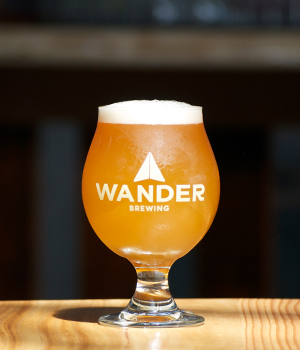 WANDERALE - WANDERALEBelgian BlondBelgian abbey yeast combines with imported malts and aromatic hops resulting in a flowery, earthy spiciness.