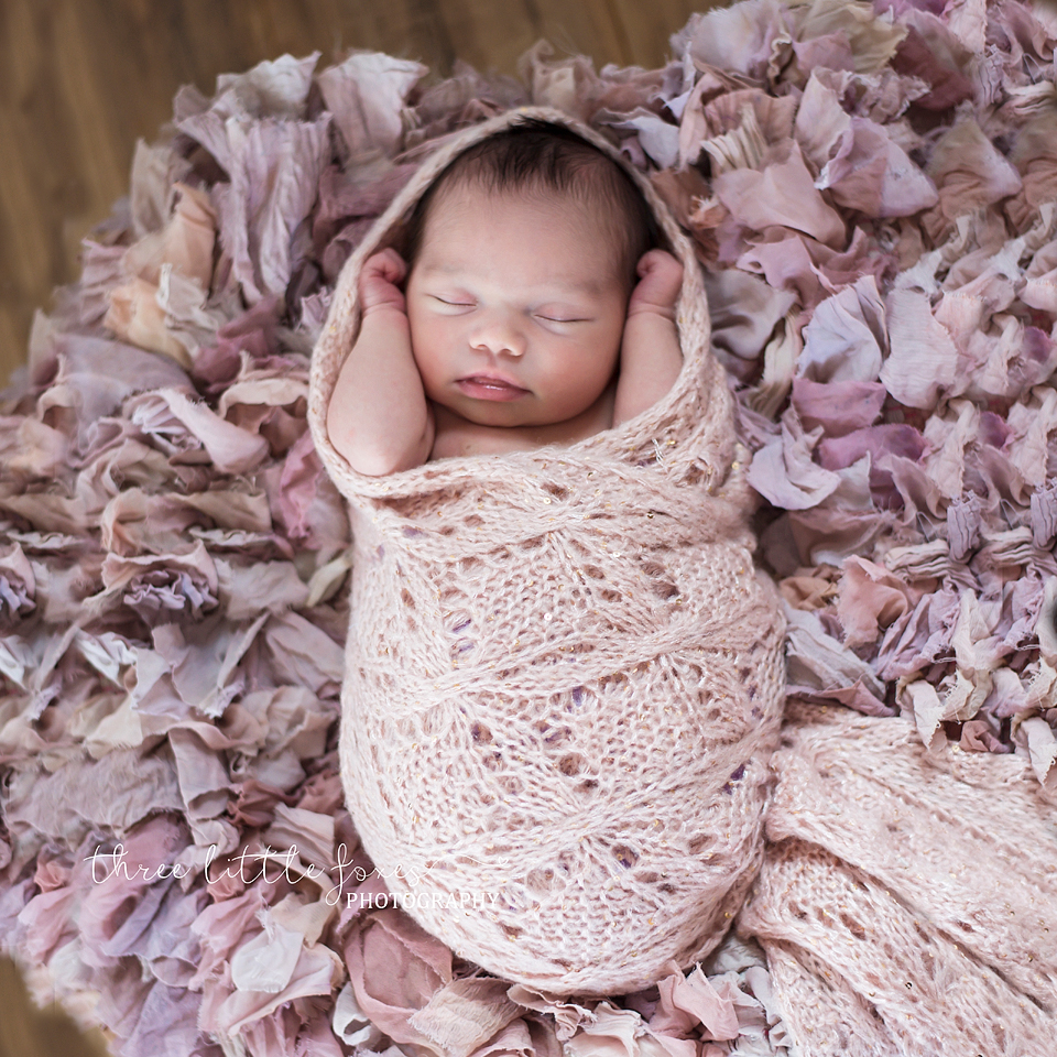 newborn-photograph-columbia-missouri-pinkwrap
