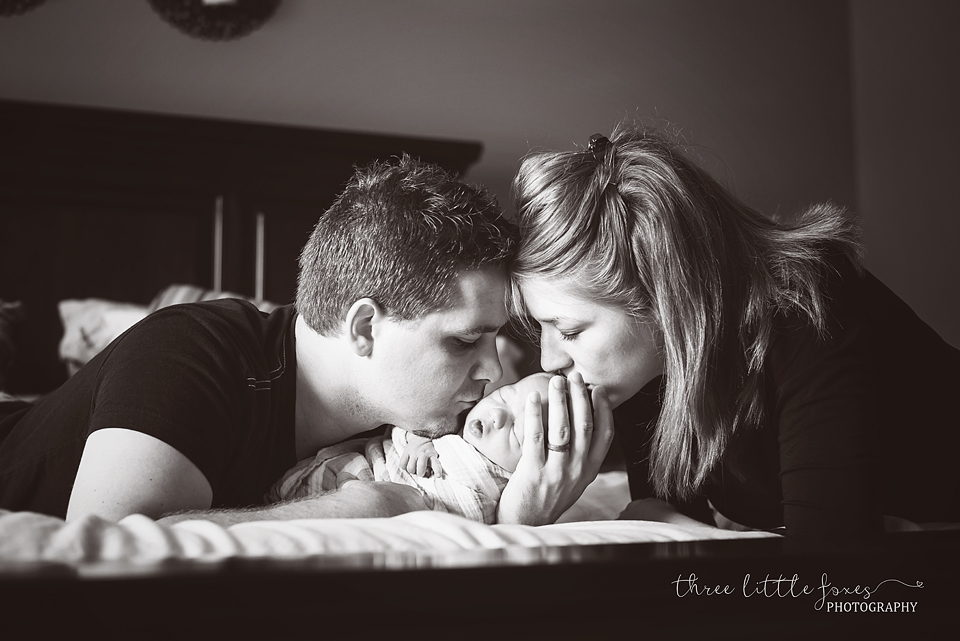 three-little-foxes-photography-columbia-missouri-newborn-photographer-rck