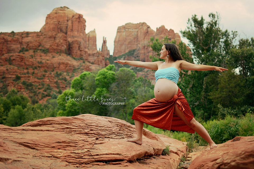 three-little-foxes-photography-columbia-missouri-maternity-photographer-yoga
