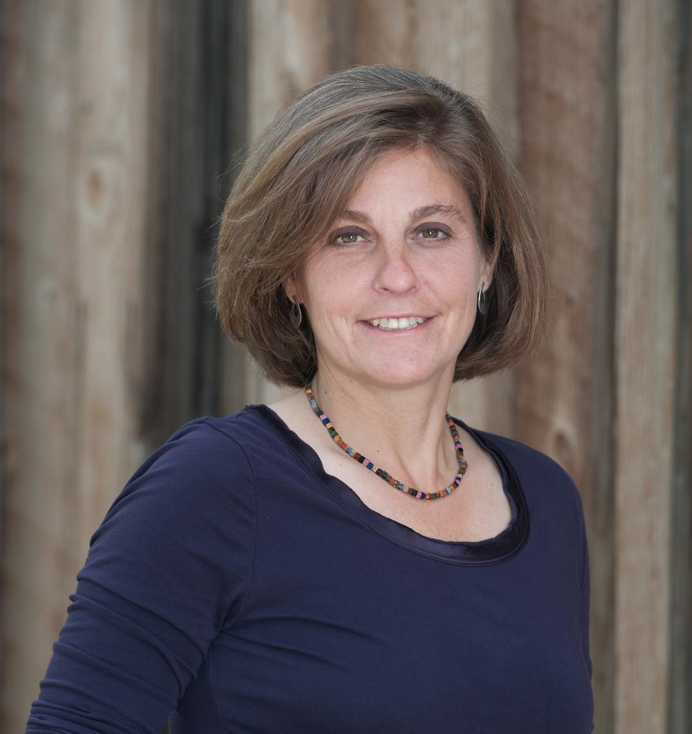Kathleen Pessolano.png