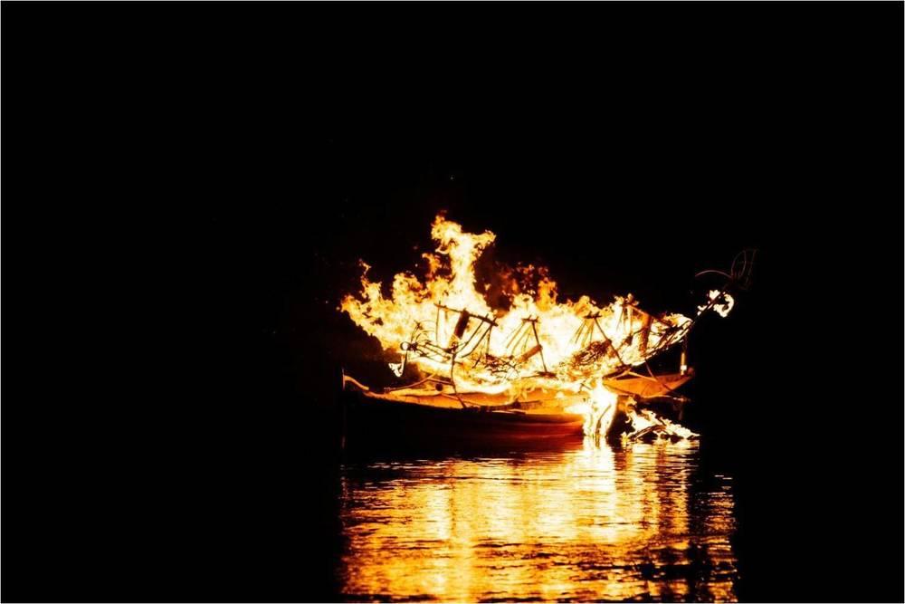 Canoe Artists: Leornard Tebegetu & Mahony Keily; Fire Sculpture: Mahony Kiely; Photographer Dean Walters