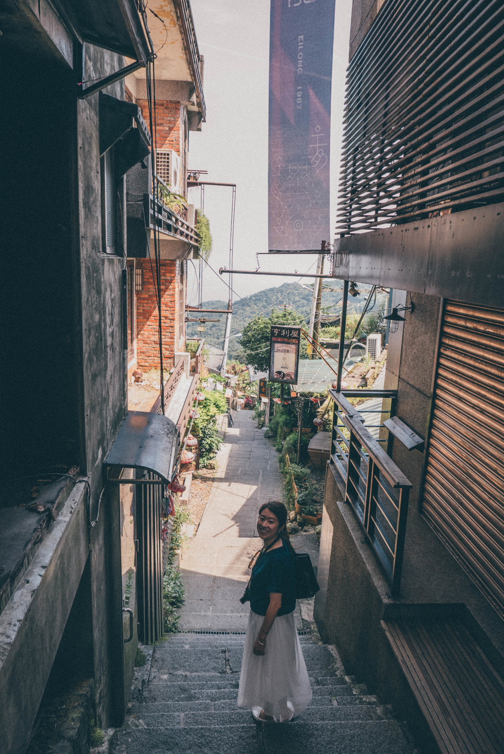 Exploring Old Street of Jiu Fen | blossomlink.me by @0oyukao0
