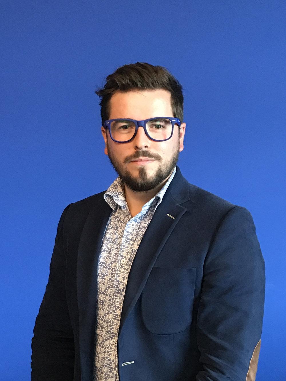 Emmanuel Mangatia | CEO & Dir.de Création