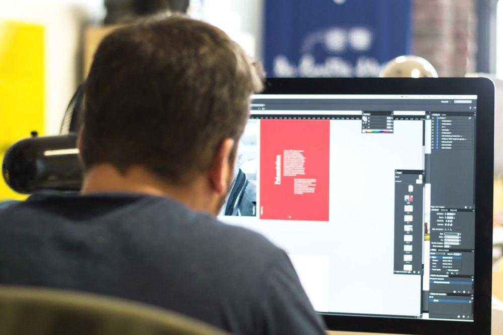 designer_agence_communication_les_lunettes_bleues.jpg