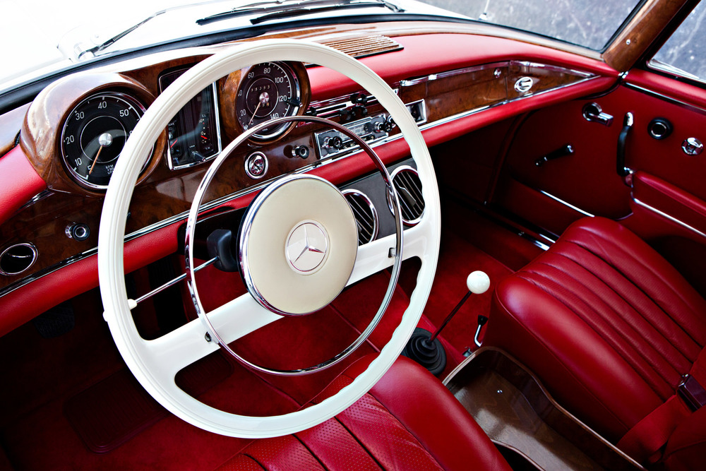 At Gooding & Company, 1961 Mercedes-Benz 220 SEb Coupe (image courtesy Gooding & Company)