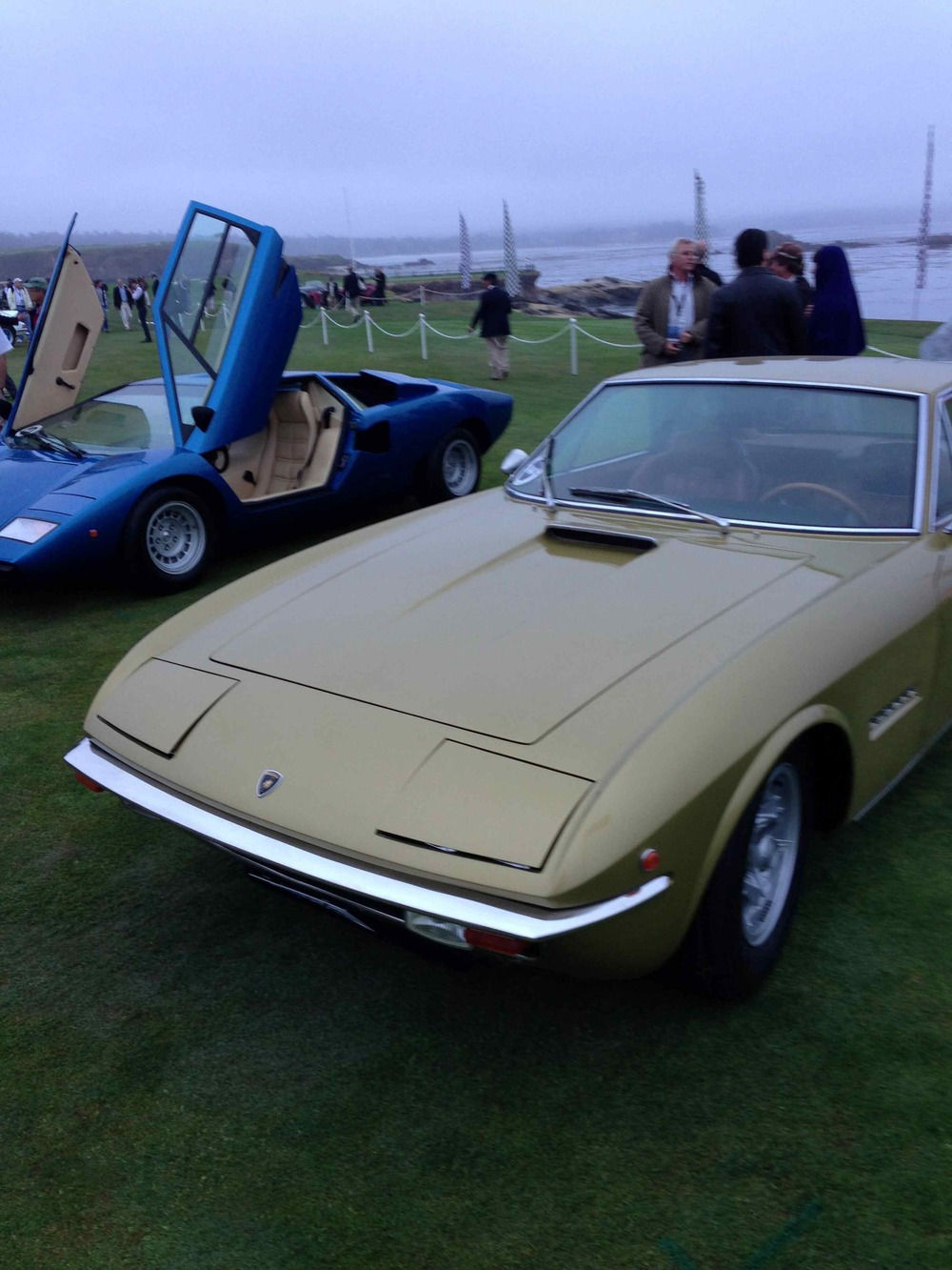 By the dawn's early light, Lamborghini Islero and Countach