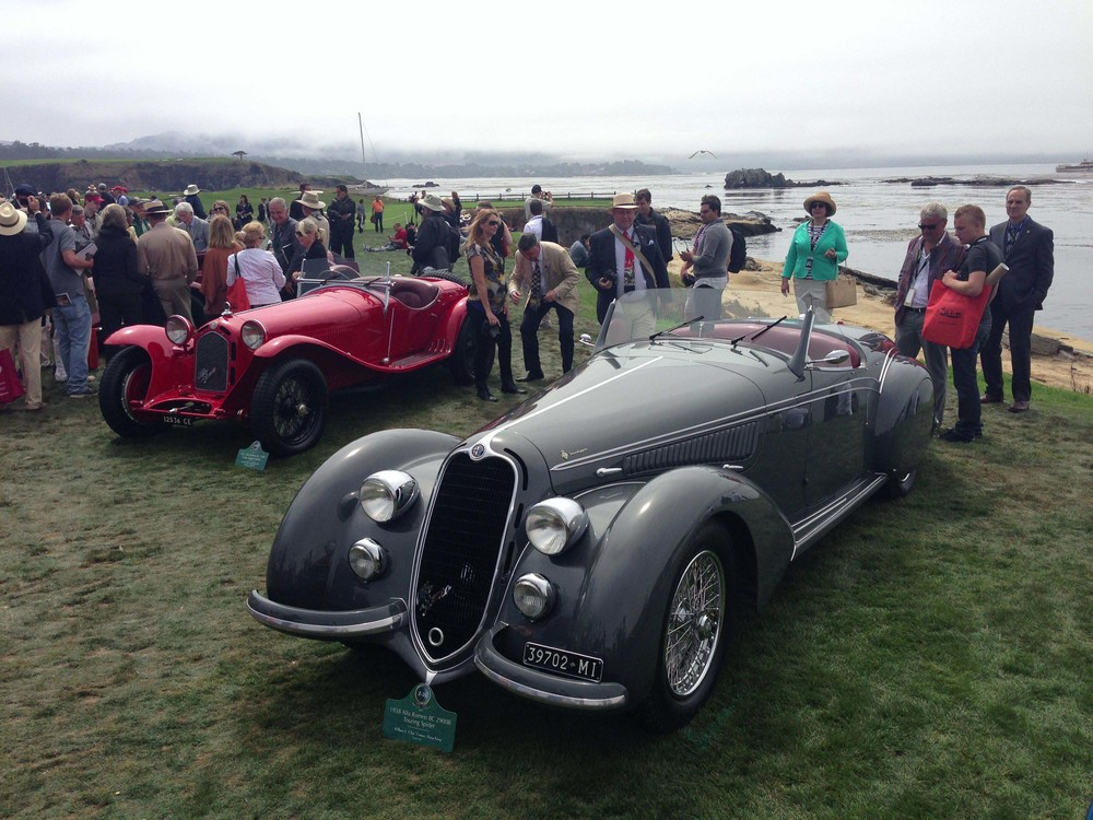 Alfa Romeo 8C 2900B Touring Spider (1938, foreground), and Alfa Romeo 8C 2300 Corto Zagato Spider (1931)