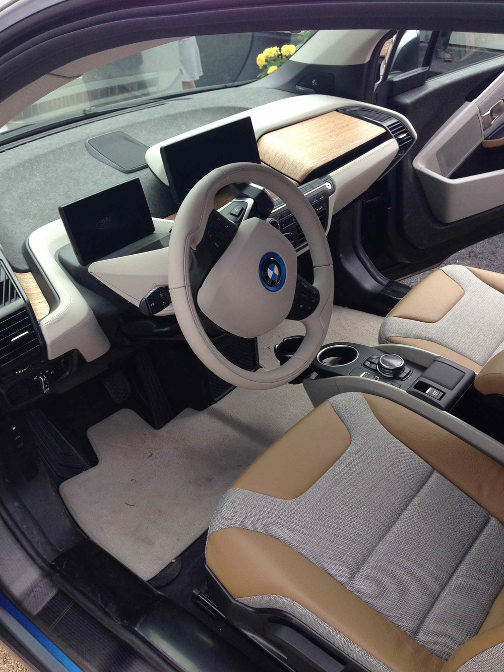 BMW i3 (Photo: The Car Crush)