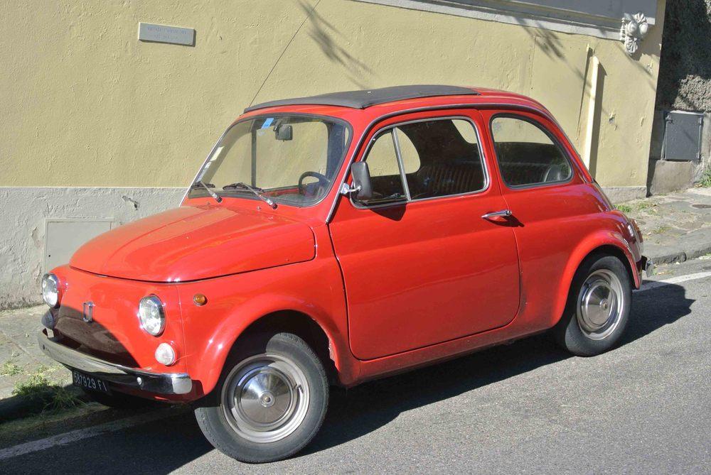 """FIAT 500 """"Cinquecento"""" in Florence"""