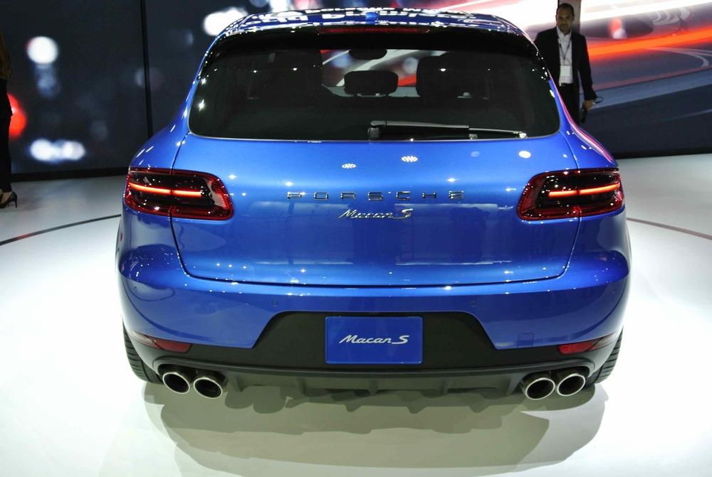 PorscheMacanRear1.jpg