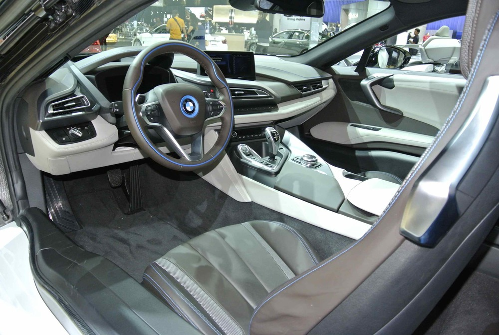 BMWi8Interior1.jpg