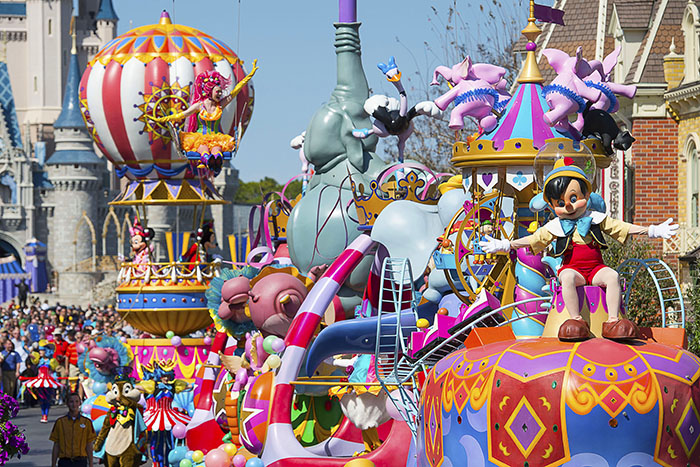 parade floats-disney-festival of fantasy-pinocchio_04 lores.jpg