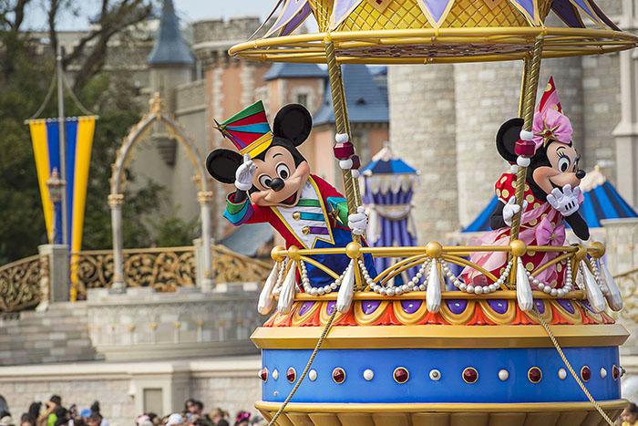 parade floats-disney-festival of fantasy-pinocchio_04 lores.jpg