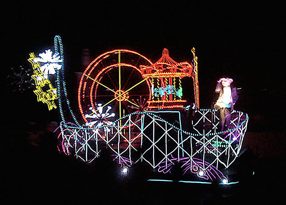 themed float-six flags 5.jpg