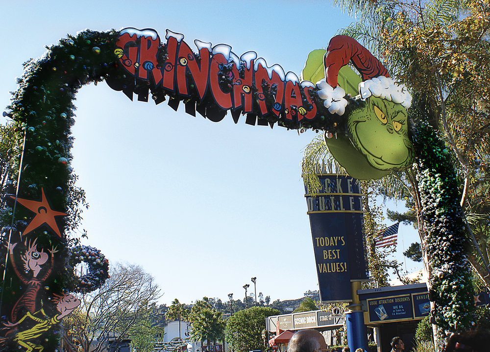 themed environments-grinchmas 8.jpg