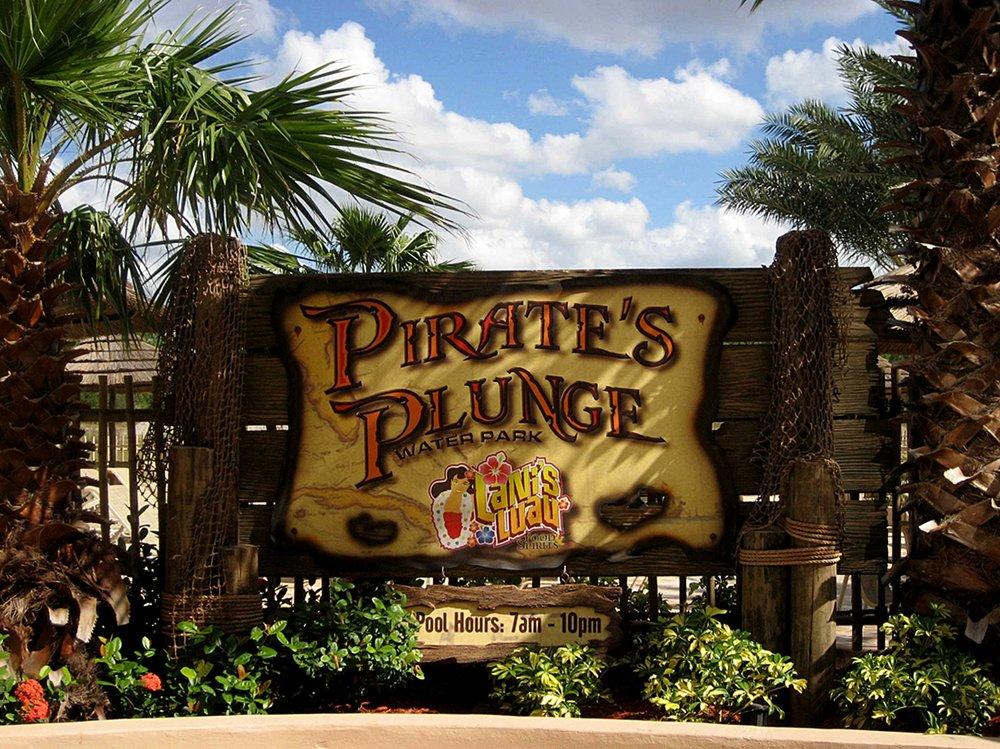 fl-te-pirates plunge 08.jpg