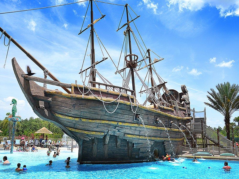 fl-te-pirates plunge 03.jpg