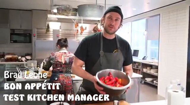 @brad_leone making fermented hot sauce @bonappetitmag test kitchen... these videos are on fire. Link's in his bio. #learnandlaugh #iloveitwhenhesayswater
