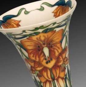 moorcroft-numbered-edition-monarch-s-crown-vase-85-11.jpg
