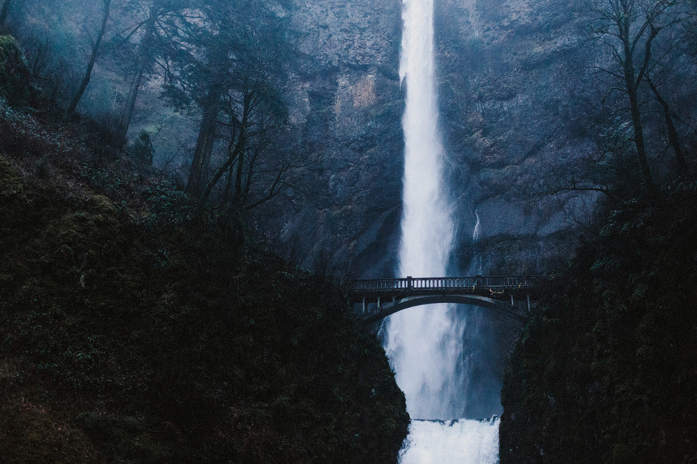 oregon bridge waterfall