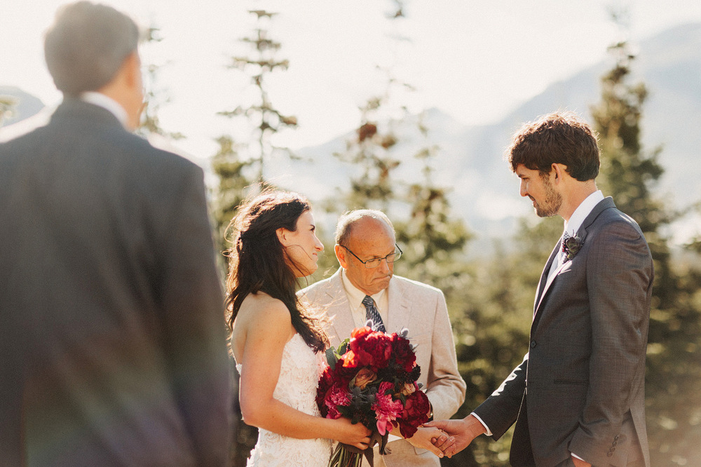 intimate moment rocky mountain national park colorado wedding