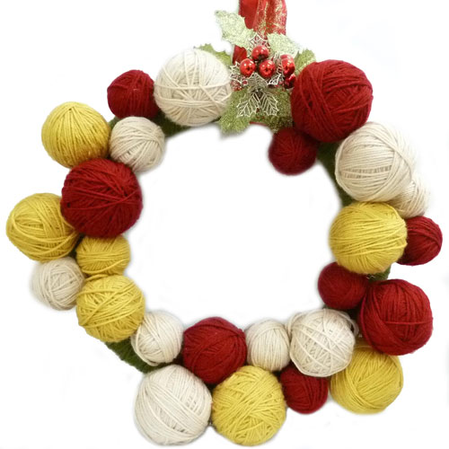 Yarn-Ball-Wreath.jpg