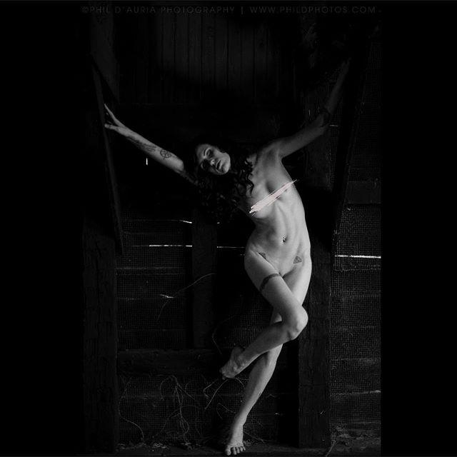 #contrast #black #blackandwhite #blackandwhitephotography #dark #creepy #abandoned #nsfw #censored #freethenipple #hair #longhair #female #femalemodel #femaleform #femalebody #bodyscape #nikon #photography #follow #like #photooftheday #portrait #art #artnude