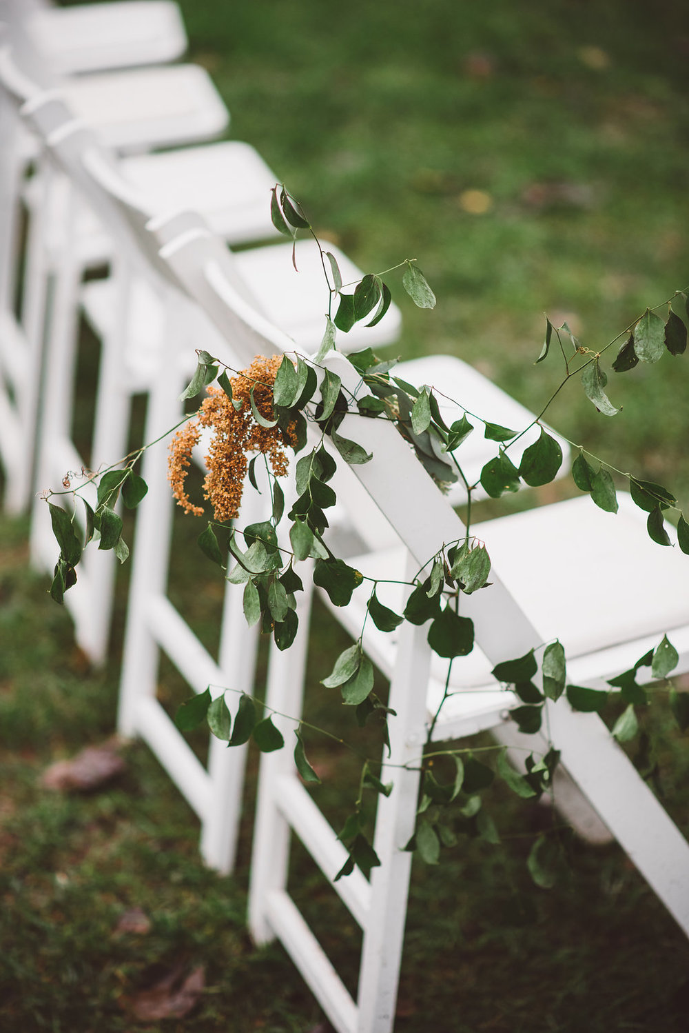 vines, chair, aisle marker, wedding