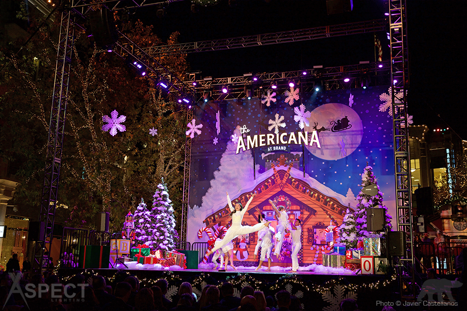 Americana-Christmas-2015-Aspect-Lighting-2.jpg