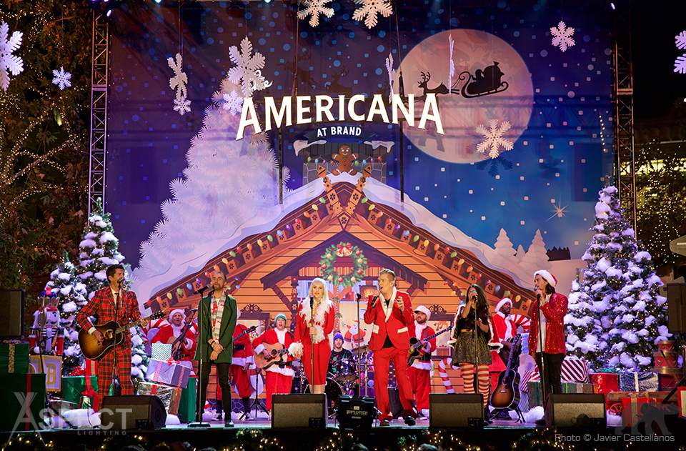 Americana-Christmas-2015-Aspect-Lighting-1.jpg