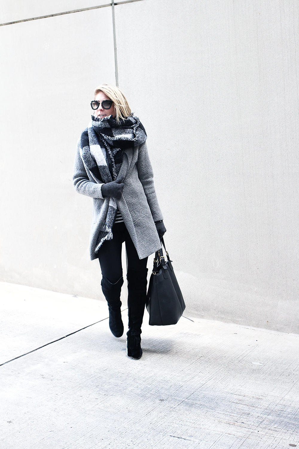 Black Over The Knee Boots, Stuart Weitzman Knockoffs, Easy Winter Outfit