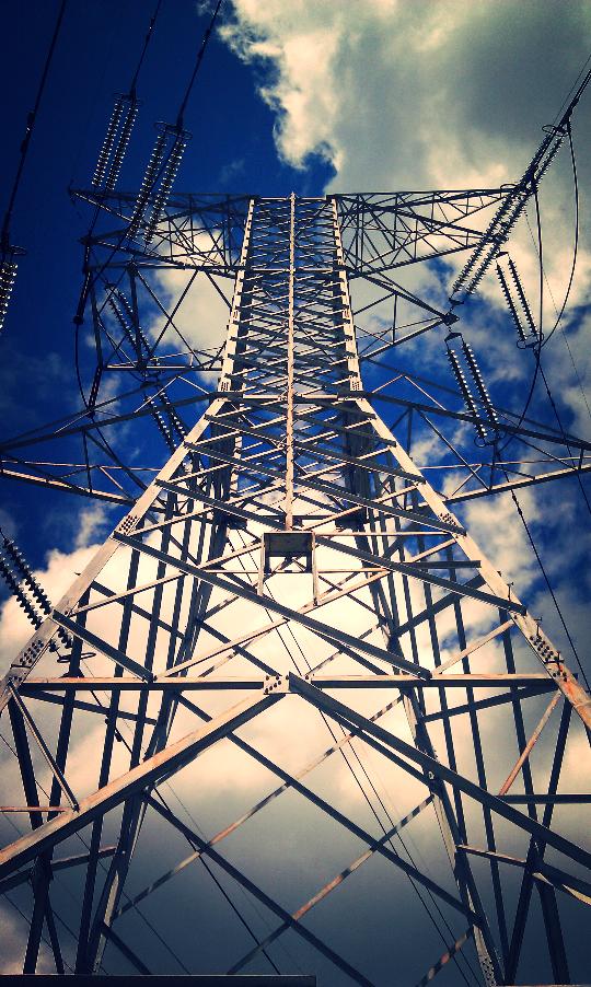 des plaines river trail electricity.jpg