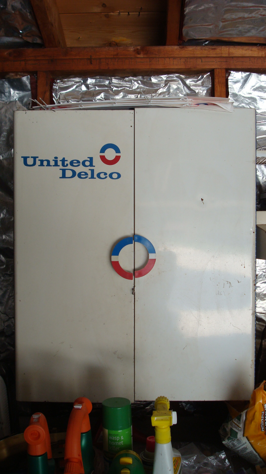 united delco cabinet.JPG
