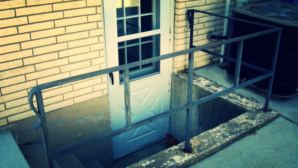rusty railing.JPG