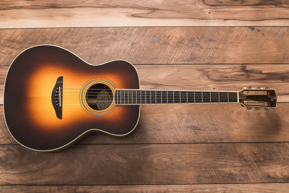 Above: OM Signature Series   Adirondack Spruce/Indian Rosewood w/upgraded Slotted Headstock